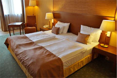 Book Hotel Leela Palace with Us to Get 15% Flat Discount